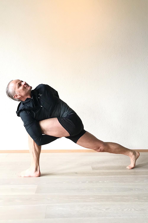 yoga-elements_pascal-scherer_Pose2